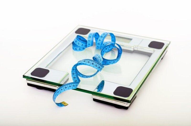 Prawidłowa waga człowieka – czynniki, analiza