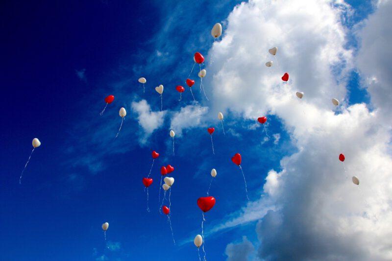 Balony weselne – dlaczego są tak popularne?